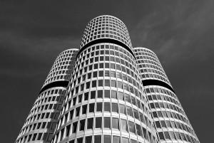 Außenansicht der BMW Firmenzentrale.