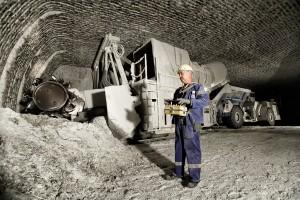 Förderung von Salz in einem Bergwerk eines Bergbauunternehmens.