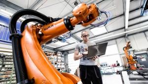 Produktion von Robotern für die Automobilindustrie.