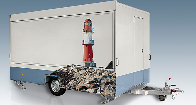 Produktfoto eines Verkaufsfahrzeug, als Freisteller per Fotomontage auf einen spiegelnden Untergrund platziert