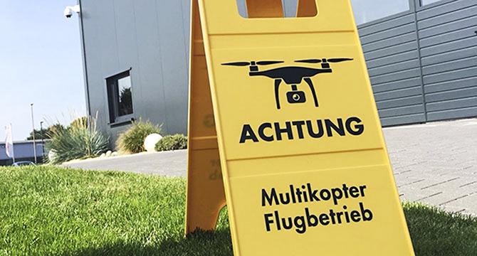 Das Team des Hamburger Fotografen Bernhard Classen hat in Hamburg Luftaufnahmen eines Industrieunternehmens angefertigt mit Hilfe von Drohnen / Multikoptern.
