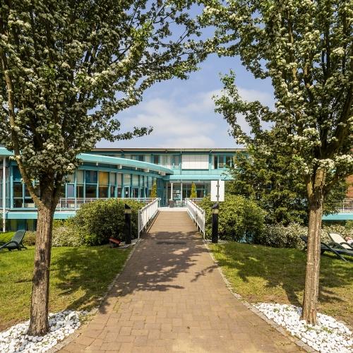 Architekturfoto-Aussenansicht-Klinik
