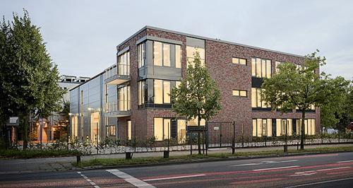 Dieses Architekturfoto zeigt die Firmenzentrale des Unternehmens Valdemar Krog in Hamburg.