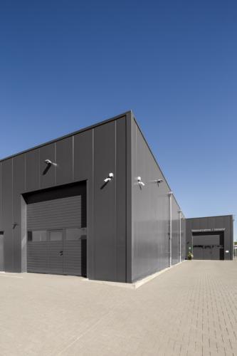 Dieses Architekturfoto zeigt die Aussenansicht eines Hamburger Industrieunternehmens.