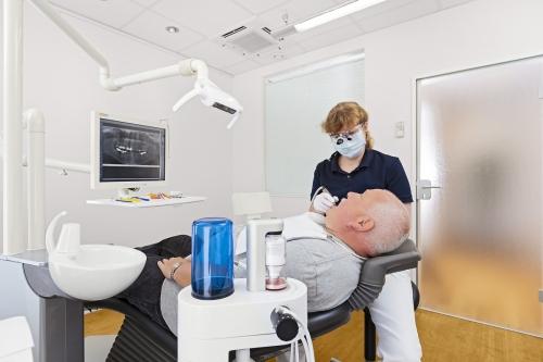 Zahnreinigung-Zahnarztpraxis-Hamburg
